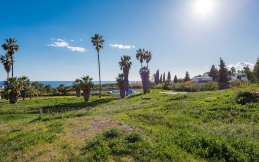 Exclusive plot for sale for 3 luxury villas on the Golden Mile in Marbella