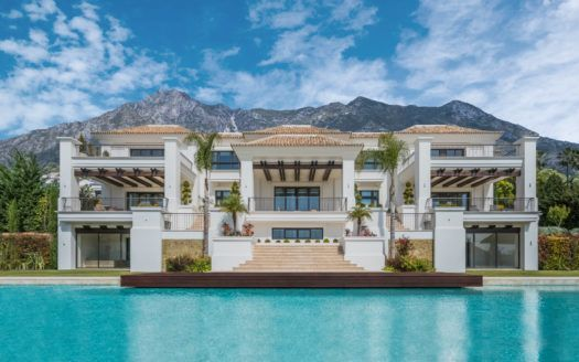 ARFV1804 - Majestic Villa for sale in Sierra Blanca with wonderful sea views
