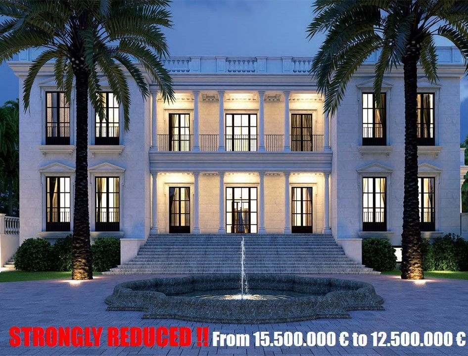 ARFV1711 - Representative estate directly on the beach for sale in Guadalmina Baja in Marbella