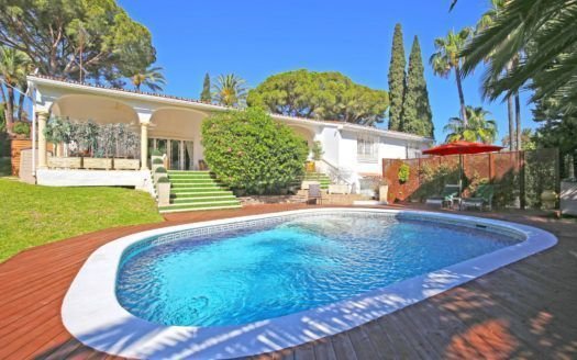 ARFV2115 - Andalusian style villa for sale in the golf valley in Nueva Andalucia in Marbella