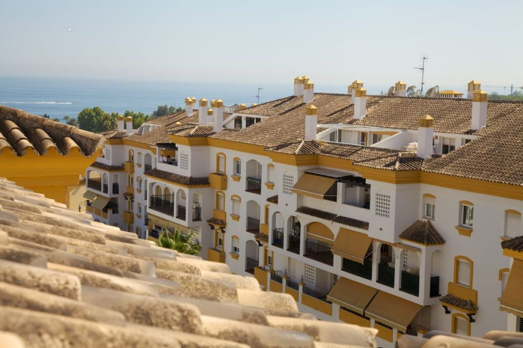 ARFA1373 - Duplex Penthouse near the beach for sale on the Golden Mile in Marbella