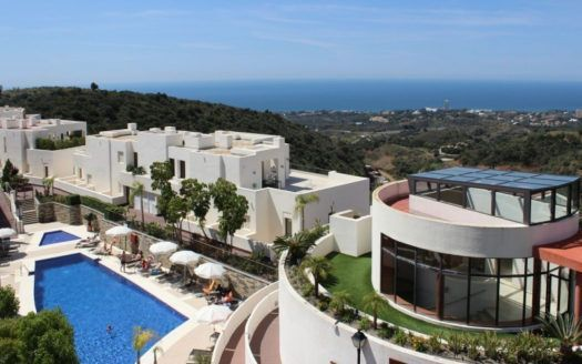 ARFA1383 - Marvelleous apartment for sale in Altos de Los Monteros in Marbella