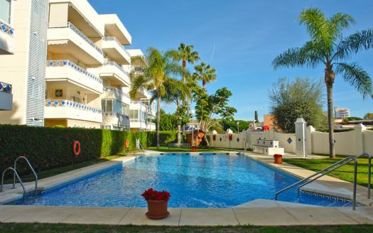 ARFA1384 - Beachside apartment for sale in Las Chapas in Marbella