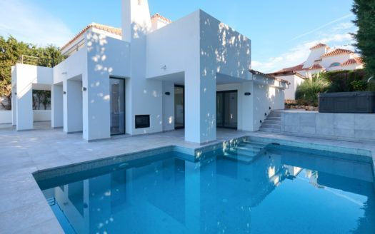 ARFV2127-327 - Completely renovated Villa for sale in Nueva Andalucia