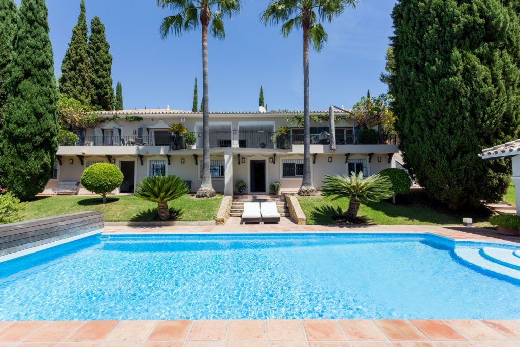 ARFV2128-305 - Partly renovated Villa with rustic charm for sale in Benahavis