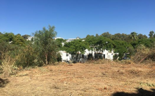 ARF-P465 - Plot with project in Elviria in Marbella