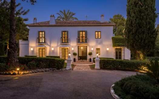 ARFV2192 - Fantastic villa with panoramic views for sale in Altos Reales on the Golden Mile Marbella