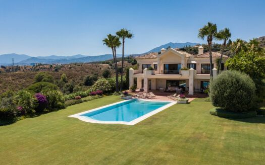 ARFV2209-353 Spectacular villa on the Golden Mile with amazing views